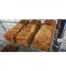 Fredags-Rugbrød: 1 stk. Benjamins Friskbagte 100% fuldkorns rugbrød, ca. 1200 gram, kl. 14-17